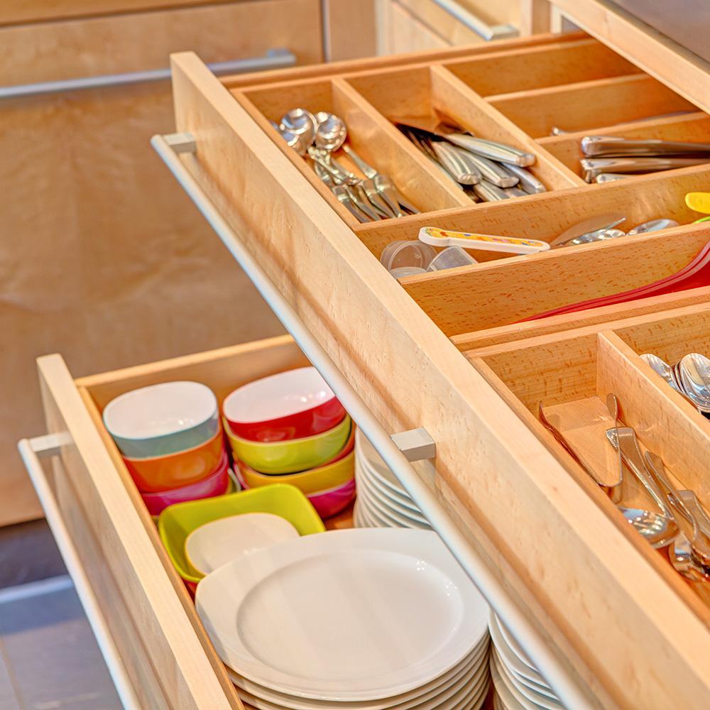 Schubladen im Möbel Küche