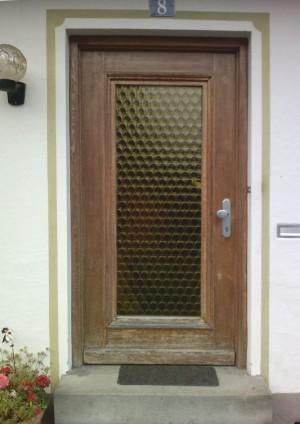 Vorhandene Haustüre ist zustand vorgefunden von der Schreinerei Bommersbach in Schongau im Pfaffenwinkel