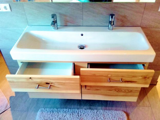 Schreiner Badmöbel esche Badschrank Waschtisch in Esche