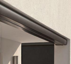 Sehr schlanke und designorientierte Silhouette im geschlossenen Zustand (Bauhöhe nur 13 cm).