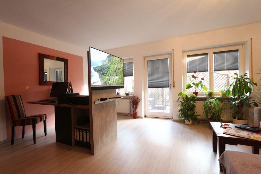 Wohnen und Arbeiten Wohnzimmer mit Arbeitszimmer und passende Plissee - Anlagen