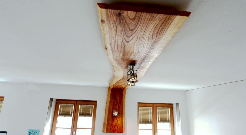 Winkellampe in Rüster